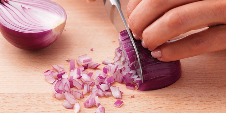 Cutting onions properly