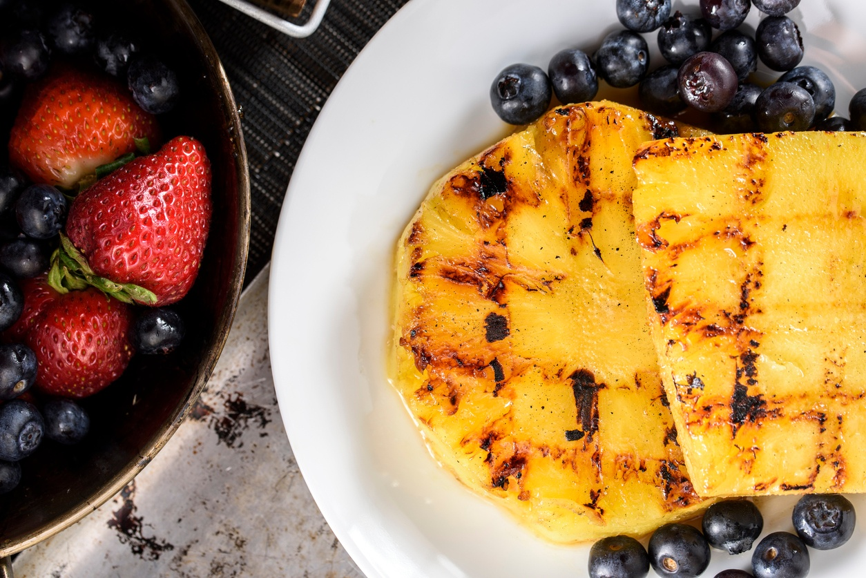 Grilled fruits: delicious and refreshing